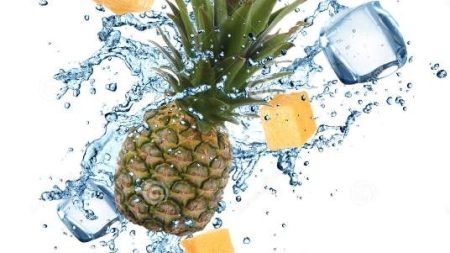 10 Reasons why you MUST add pineapple to your water